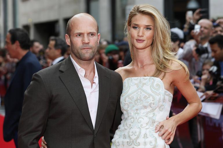 Jason Statham, famoso attore, ha le caratteristiche dell'uomo ad alto DHT (ed anche la fidanzata)
